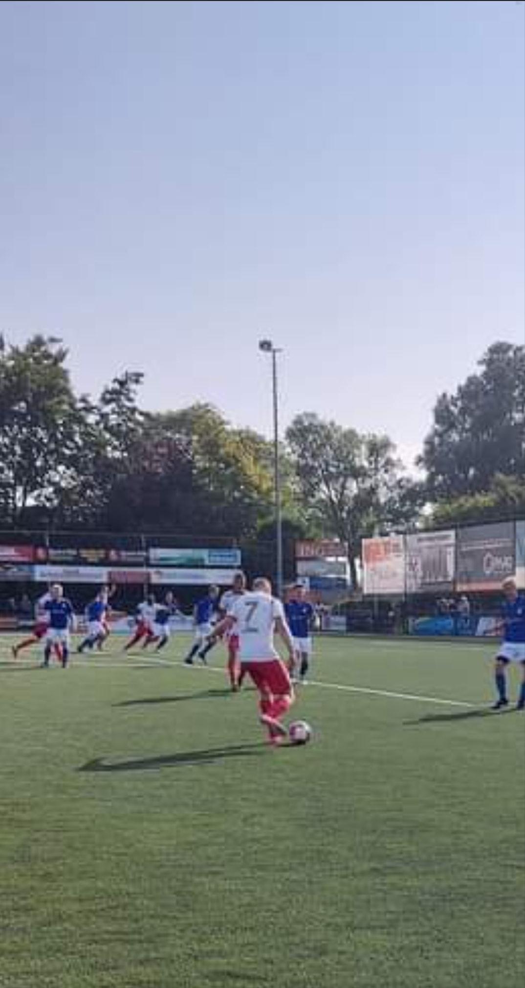 Hellevoetsluis wint eerste officiële wedstrijd sinds oktober 2020